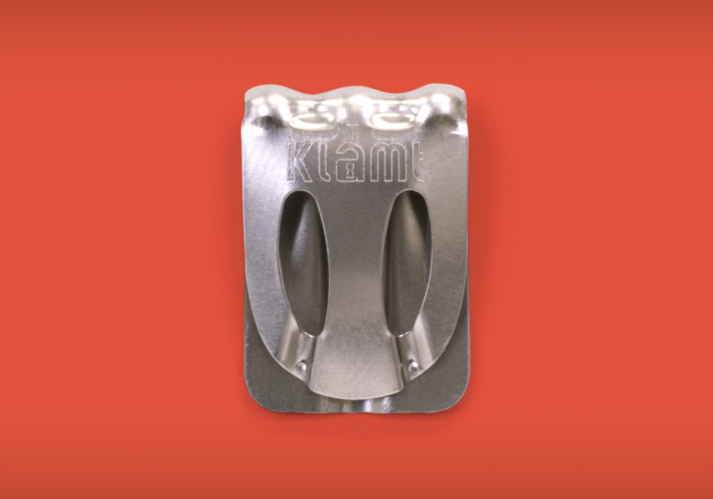 Klamt paper clip close up